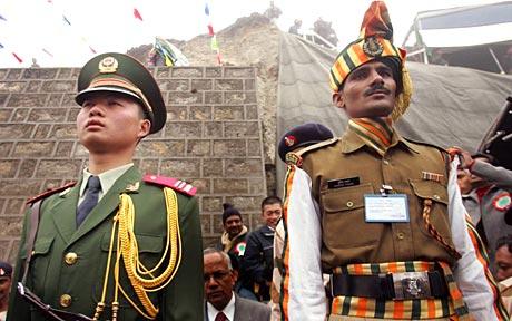Rencontre entre les troupes chinoises et indiennes après les tensions du 15 avril dernier.