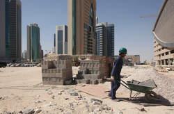 Les travailleurs Népalais seraient exploités au Qatar en vue de la Coupe du Monde 2022. ©DR