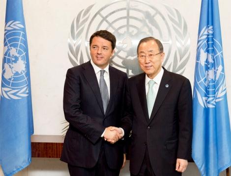 Le Secrétaire des Nations Unis Ban Ki-moon a réussi à relancer l'intérêt à l'égard du fonds vert pour le climat. Ici en septembre dernier avec le Premier ministre italien Matteo Renzi. ©Gouvernement italien